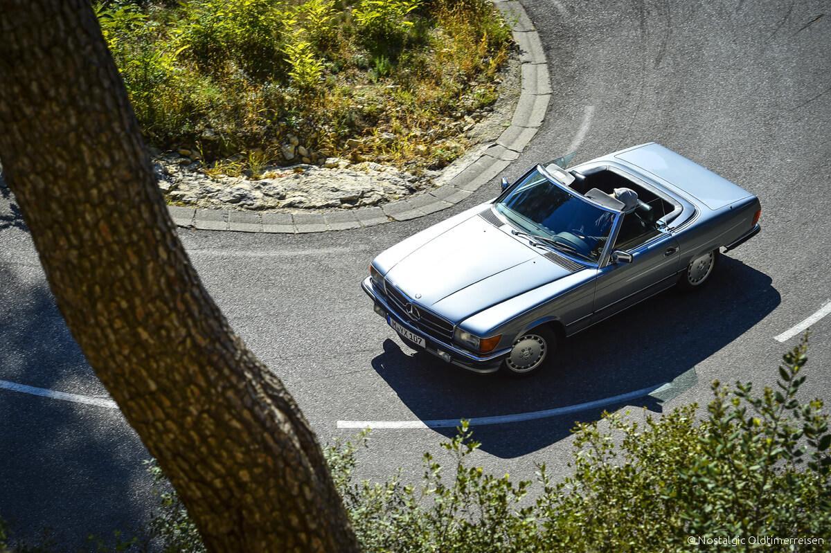 Mercedes-Benz 300SL 300 SL W107 107 blau metallic blaumetallic Provence | Nostalgic Oldtimerreisen