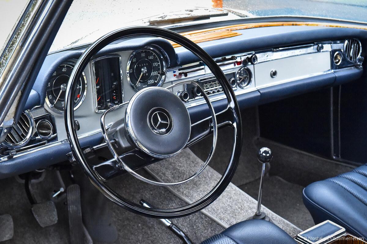 Mercedes-Benz Innenraum W113 Pagode| Nostalgic Oldtimerreisen