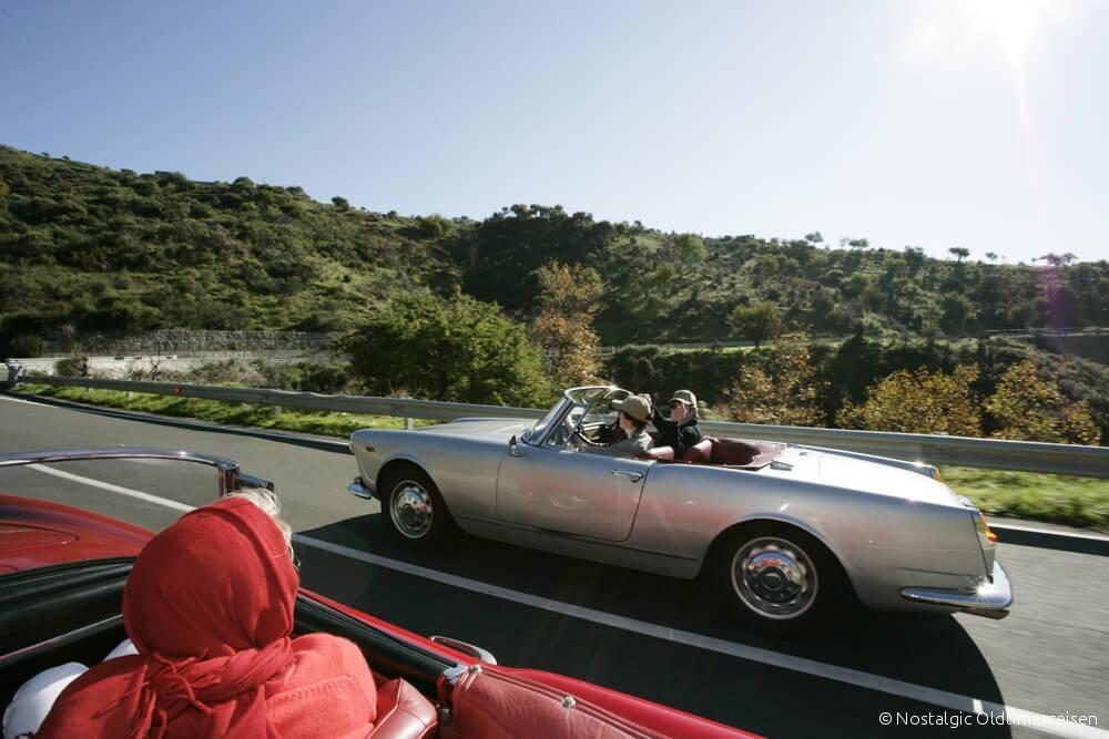 Alfa Romeo 2600 Spider silber silver rot red Toskana | Nostalgic Oldtimerreisen