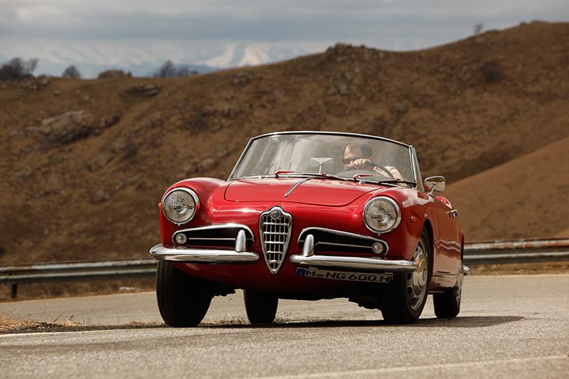 Lago Maggiore Alfa Romeo Giulietta cabrio cabriolet Spider | Nostalgic Oldtimerreisen