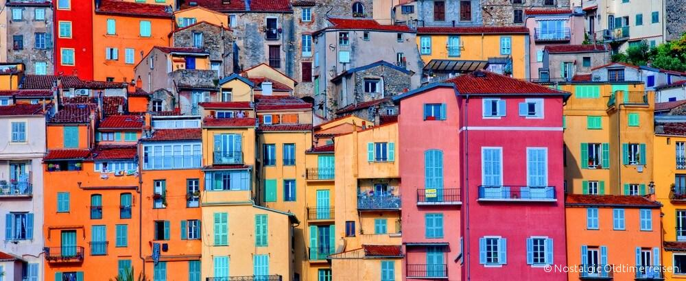 Bunte Häuser Menton Provence | Nostalgic Oldtimerreisen