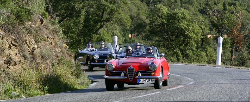 Amalfi Alfa Romeo Giulia Spider veloce 2600 rot blau silber | Nostalgic Oldtimerreisen
