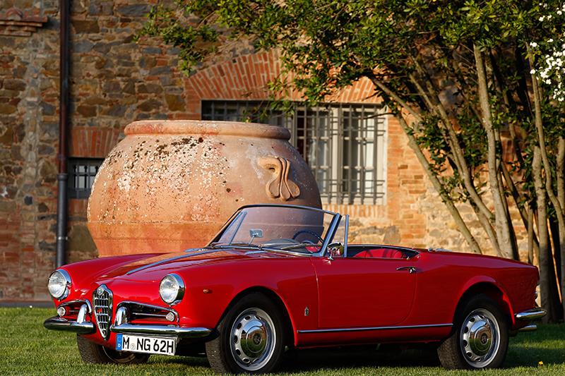 Alfa Romeo Giulietta Spider rosso pininfarina rot red Toskana | Nostalgic Oldtimerreisen