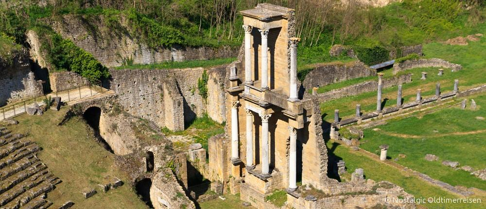 Volterra Amphitheater Toskana tuscany | Nostalgic Oldtimerreisen