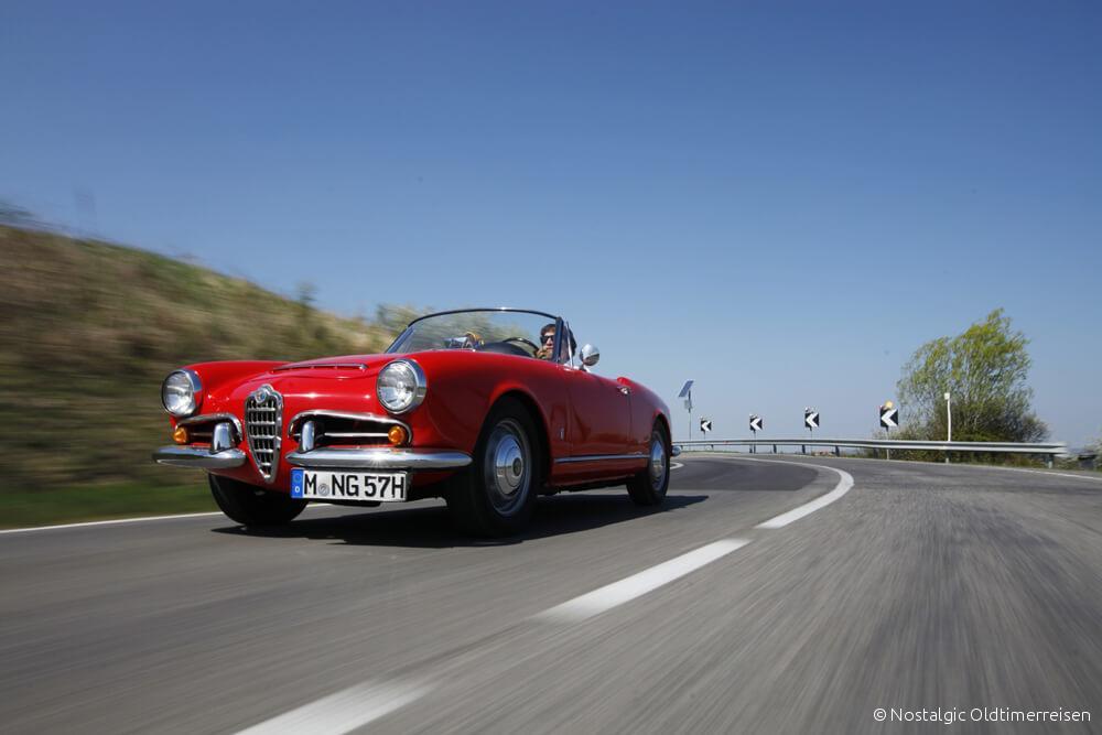 Alfa Romeo Giulia Spider veloce Toskana | Nostalgic Oldtimerreisen