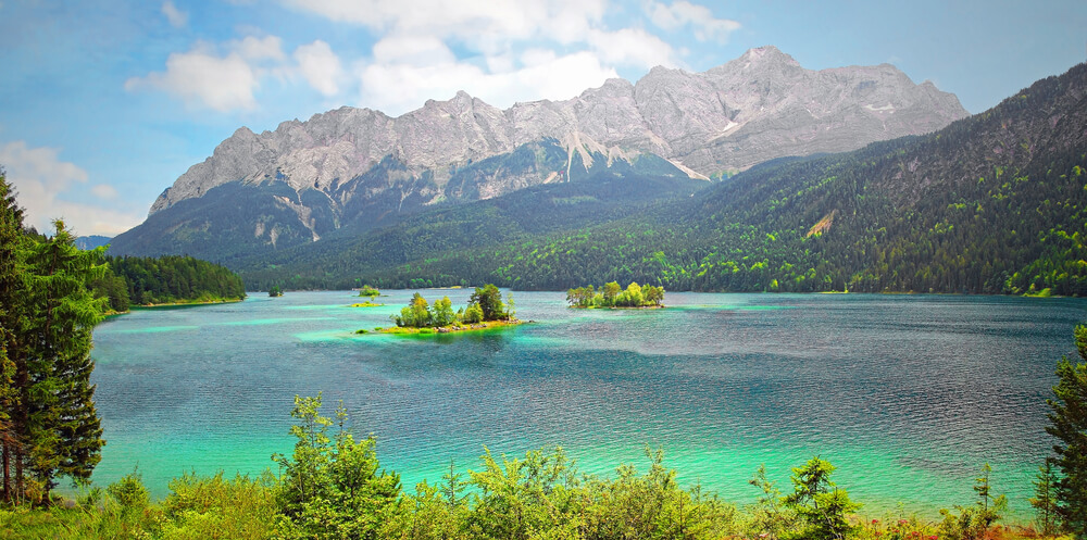 Eibsee Zugspitze top of Germany Deutschland Bayern Oberbayern Berge Mountains Alpen Alps | Nostalgic Oldtimerreisen