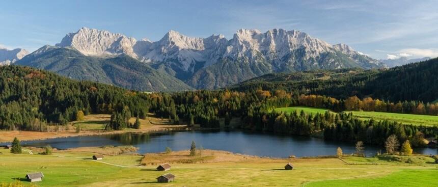Lake Geroldsee Garmisch Partenkirchen Mittenwald Karwendel Bavaria Germany Bayern Oberbayern Berge Mountains Alpen Alps | Nostalgic Oldtimerreisen